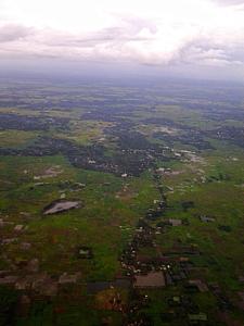 উপর থেকে পশ্চিম বঙ্গ, কোলাকাতা বিমানবন্দরের খানিক অাগ দিয়ে